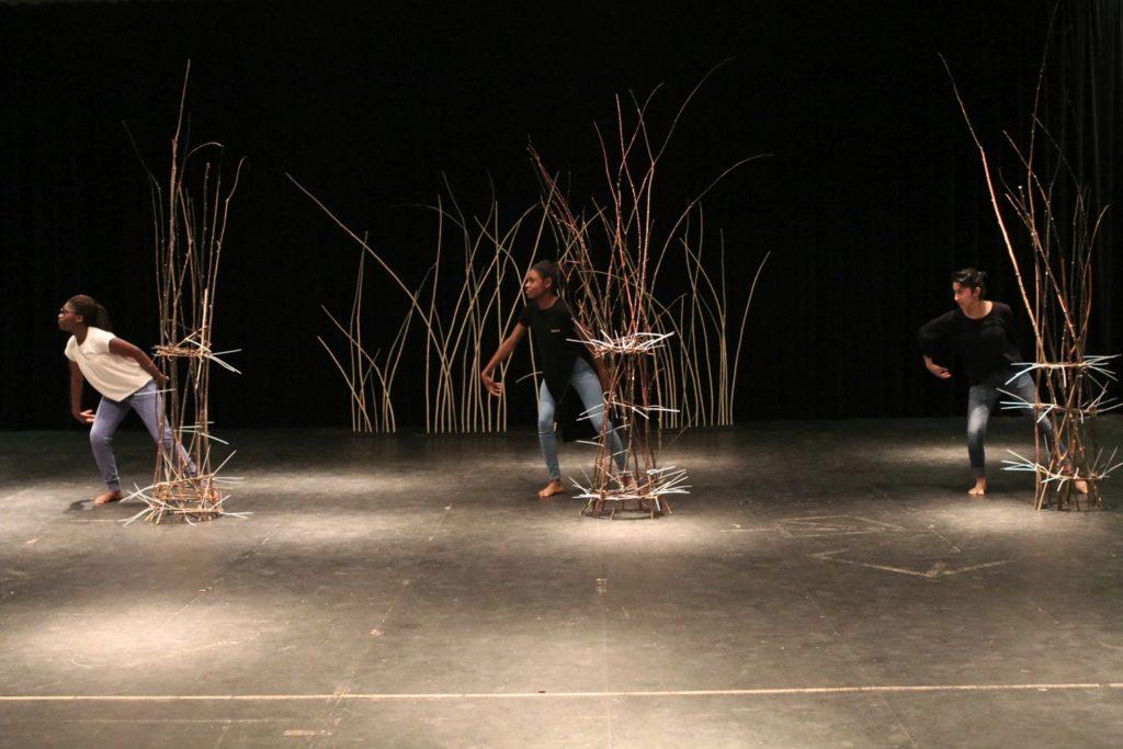 Tanz-der-Skulpturen1_Th.Langens-1024x683